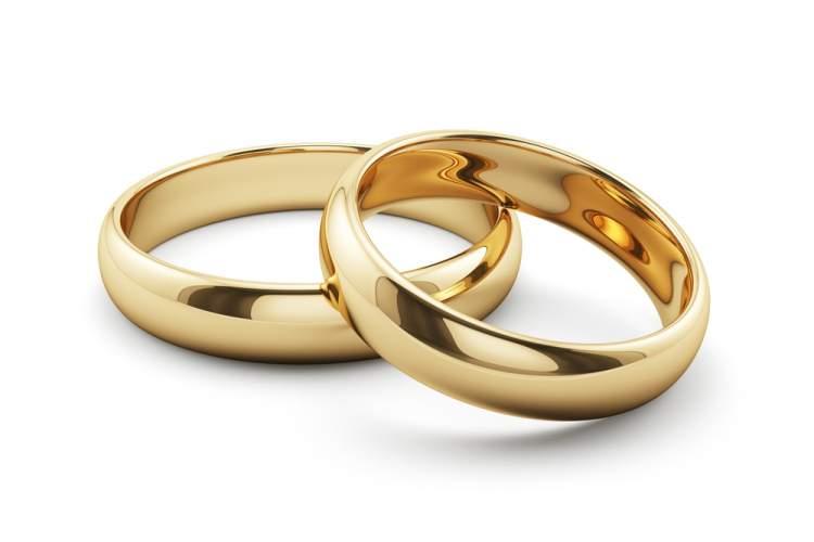 Evlilik Yüzüğü Neden Sol Ele Takılır?
